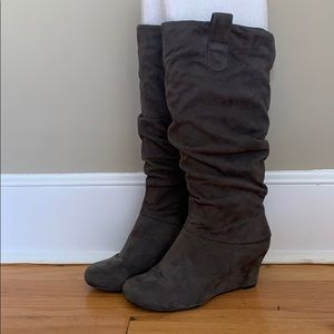 Grey wedge slouchy boots